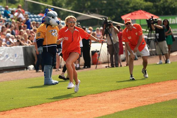 Jamie Lynn Spears「City of Hope Celebrity Softball Game at CMA Festival - Game」:写真・画像(19)[壁紙.com]