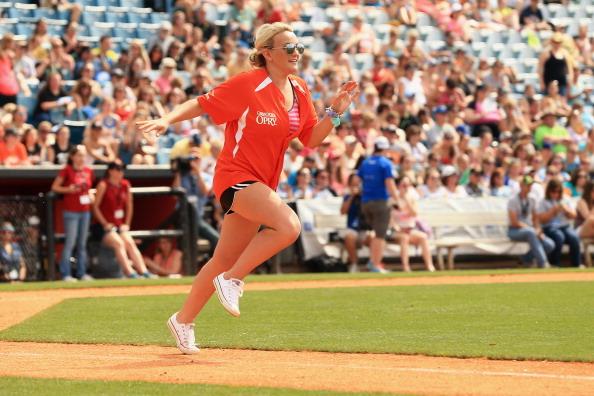 Jamie Lynn Spears「City of Hope Celebrity Softball Game at CMA Festival - Game」:写真・画像(13)[壁紙.com]