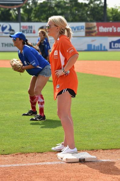 Jamie Lynn Spears「City of Hope Celebrity Softball Game at CMA Festival - Game」:写真・画像(8)[壁紙.com]