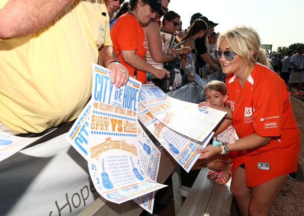 Jamie Lynn Spears「City of Hope Celebrity Softball Game at CMA Festival - Arrivals」:写真・画像(10)[壁紙.com]