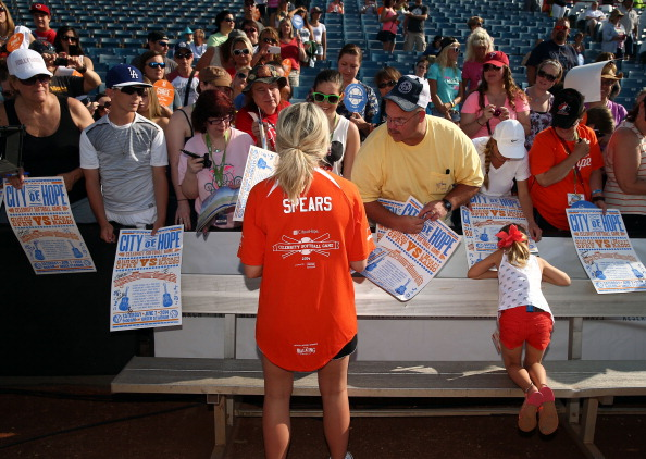 Jamie Lynn Spears「City of Hope Celebrity Softball Game at CMA Festival - Arrivals」:写真・画像(9)[壁紙.com]