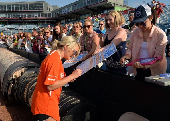 Jamie Lynn Spears「City of Hope Celebrity Softball Game at CMA Festival - Arrivals」:写真・画像(4)[壁紙.com]