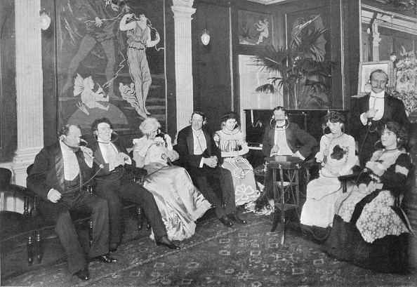 Edwardian Style「In the Electrophone Salon, Gerrard Street, London, c1903 (1903)」:写真・画像(15)[壁紙.com]