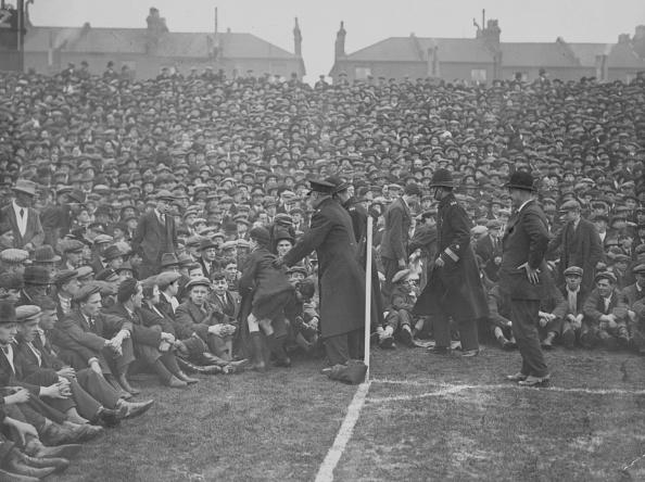 Crowd「Football Fans」:写真・画像(0)[壁紙.com]
