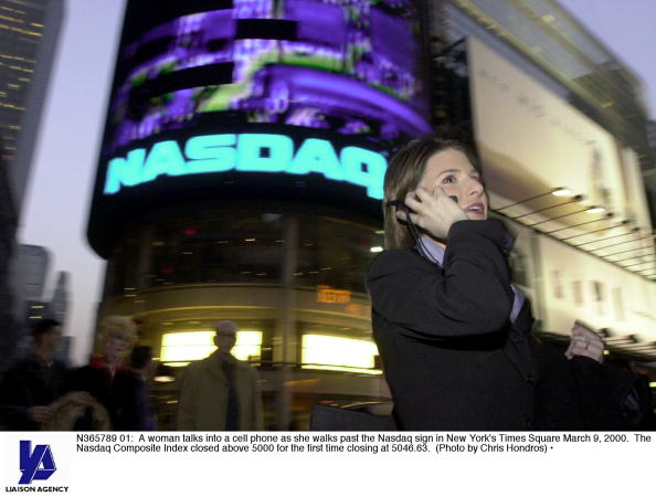 Wireless Technology「Nasdaq Composite Index closed above 5000」:写真・画像(9)[壁紙.com]