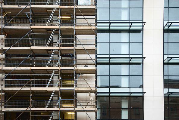Full Frame「Scaffolding on new-build apartment block, North Dublin, Ireland, Jan 08」:写真・画像(15)[壁紙.com]