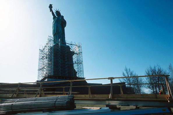 Repairing「Repairs To Statue of Liberty」:写真・画像(8)[壁紙.com]