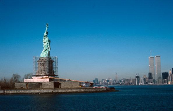Repairing「Repairs To Statue of Liberty」:写真・画像(11)[壁紙.com]