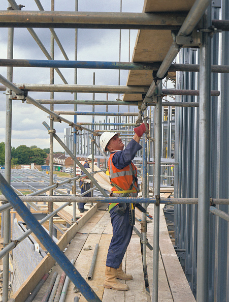 Plank - Timber「Scaffolding being erected on a building site」:写真・画像(15)[壁紙.com]