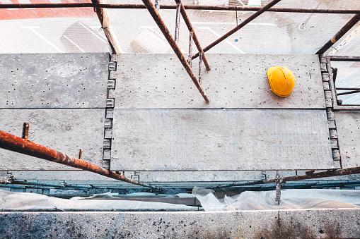 Hardhat「Scaffolding on Construction Site」:スマホ壁紙(10)