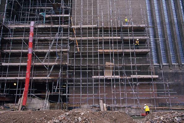 Renovation「Scaffolding during conversion of Bankside Power station into Tate Modern Museum of Modern Art. London. United Kingdom.」:写真・画像(12)[壁紙.com]