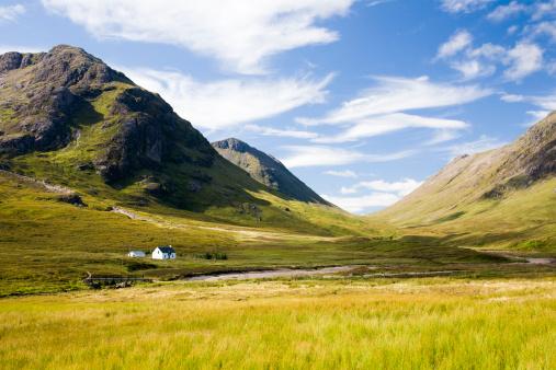 Steep「Cottage at Glencoe, Highlands, Scotland」:スマホ壁紙(2)