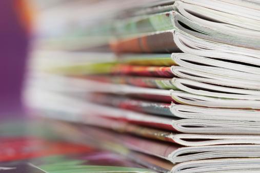 Heap「Stack of magazines that progressively blurs toward the left」:スマホ壁紙(8)