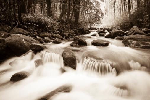 Spirituality「Whitewater in the Smoky Mountains」:スマホ壁紙(1)