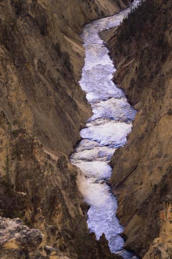Steep「Yellowstone Canyon River」:スマホ壁紙(4)