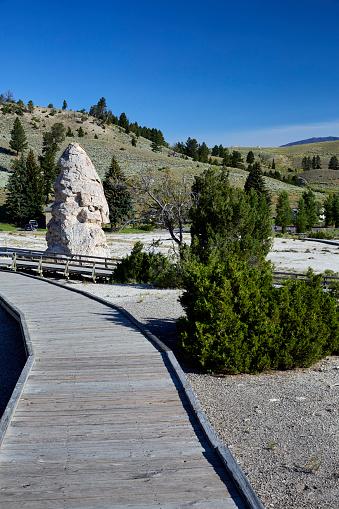 Mammoth Hot Springs「Yellowstone National Park. Wyoming. USA」:スマホ壁紙(17)
