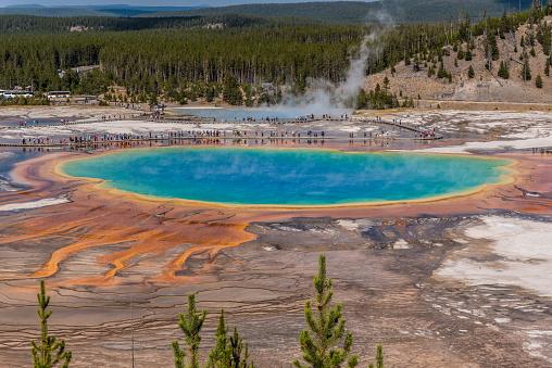 Grand Prismatic Spring「Yellowstone scenes in autumn - Grand Prismatic Spring」:スマホ壁紙(15)