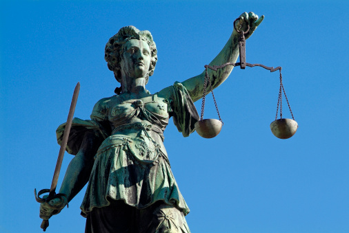 Equality「Justizia well, Frankfurt, Main」:スマホ壁紙(10)