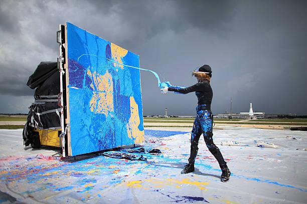 Artist Creates Painting Using Jet Engine:ニュース(壁紙.com)