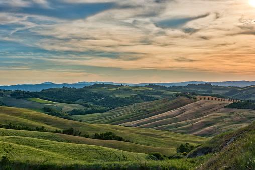 Rolling Landscape「Italy, Tuscany, Val d'Orcia, rolling landscape」:スマホ壁紙(10)