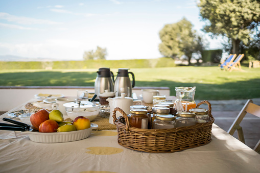 Breakfast「Italy, Tuscany, Maremma, laid breakfast table on terrace」:スマホ壁紙(11)