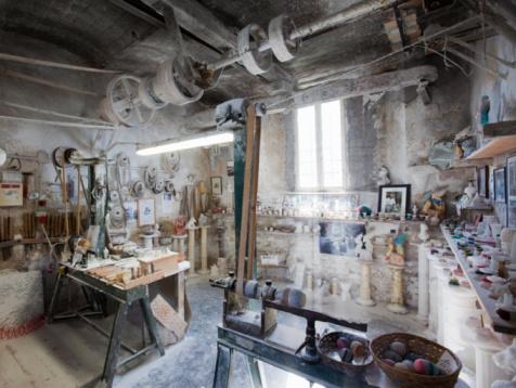 Alabaster「Italy. Tuscany. Volterra. Alabaster Laboratory」:スマホ壁紙(4)