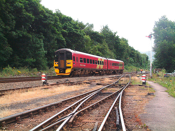 Responsibility「The southern Transpennine services use the Hope Valley to provide a connection between Sheffield and Manchester using Class 158 DMUs」:写真・画像(10)[壁紙.com]