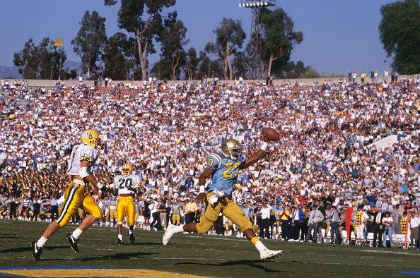 UCLA「University of Oregon Ducks vs UCLA Bruins」:写真・画像(14)[壁紙.com]