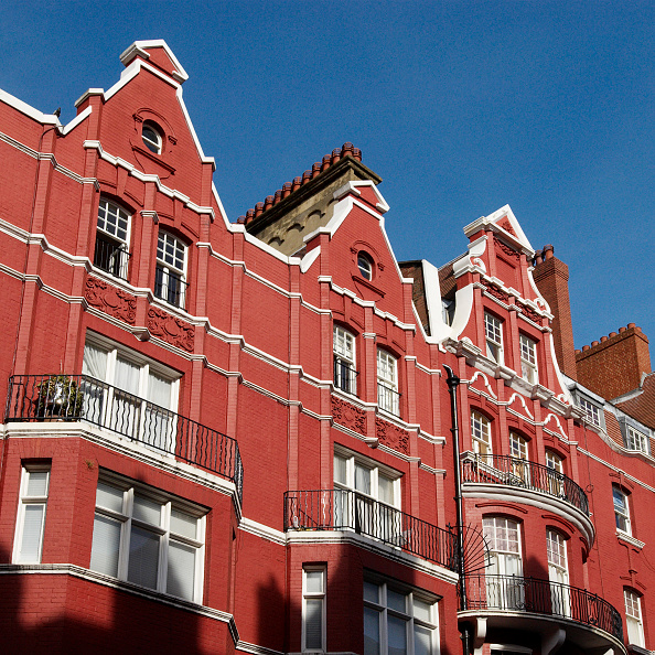 Townhouse「Elegant red-painted period townhouses, Marylebone, Central London, UK」:写真・画像(18)[壁紙.com]