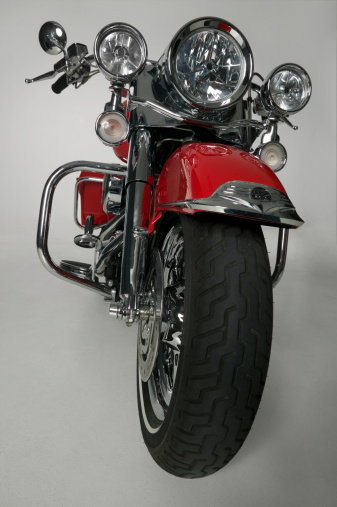 Motorcycle「Red motorcycle in studio」:スマホ壁紙(11)