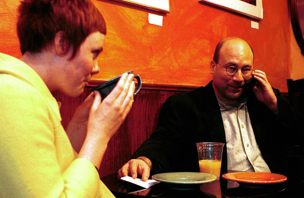 Silicon「Craig Newmark On Date In Cafe」:写真・画像(16)[壁紙.com]