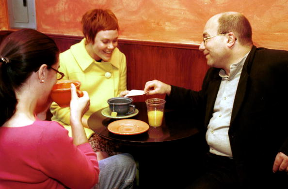 Silicon「Craig Newmark On Date In Cafe」:写真・画像(17)[壁紙.com]