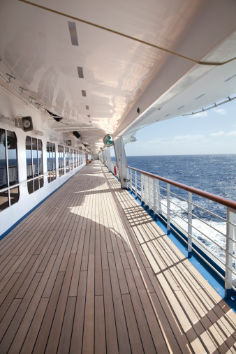 Cruise - Vacation「Empty Cruise Ship Deck」:スマホ壁紙(2)