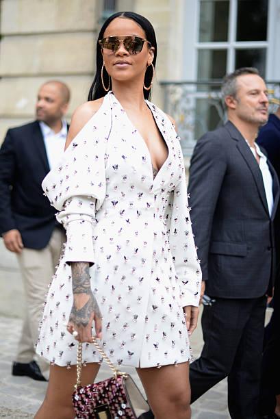 Christian Dior : Street Style - Paris Fashion Week Womenswear Spring/Summer 2017:ニュース(壁紙.com)