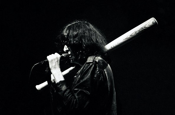 Baseball - Sport「Joey Ramone Of The Ramones At The Venue」:写真・画像(14)[壁紙.com]
