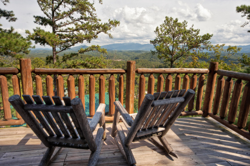 Great Smoky Mountains National Park「Rocking Chair Solitude with a Mountain View」:スマホ壁紙(19)