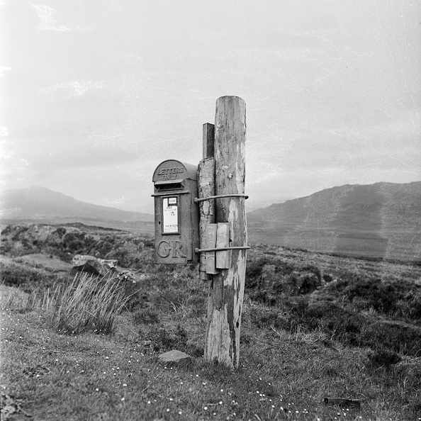 Wooden Post「Remote Post Box」:写真・画像(2)[壁紙.com]