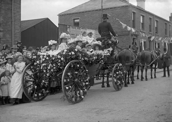 1900「Children In Horse Drawn Carriage」:写真・画像(6)[壁紙.com]