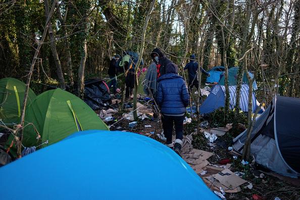 フランス「Britain And France Sign New Treaty On Calais Migrants」:写真・画像(1)[壁紙.com]