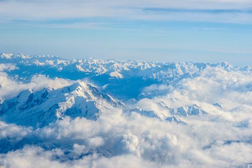 雪景色「ハイ山」:スマホ壁紙(9)