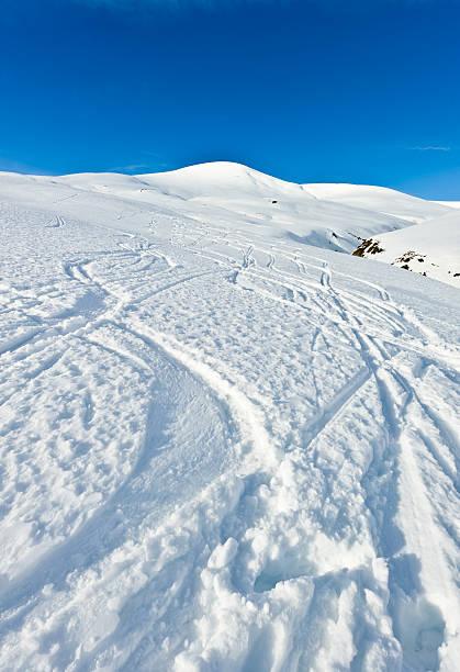 High mountain landscape ski traks:スマホ壁紙(壁紙.com)