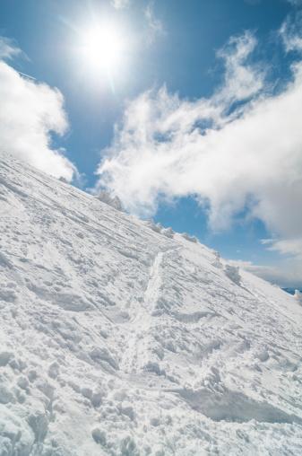 ラグラーブ「高い山の景観に晴れた日」:スマホ壁紙(3)