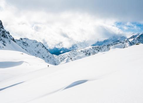 ラグラーブ「高い山の景観に晴れた日」:スマホ壁紙(9)
