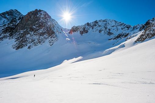 雪山「高い山の景観に晴れた日」:スマホ壁紙(18)