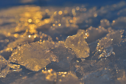 Harz Mountain「Frozen Ice Cubes in the Morning Light, Altenau, Harz, Lower Saxony, Germany」:スマホ壁紙(11)