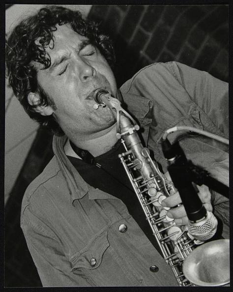 Effort「Alto saxophonist Christian Brewer playing at The Fairway, Welwyn Garden City, Hertfordshire, 2003. Artist: Denis Williams」:写真・画像(0)[壁紙.com]
