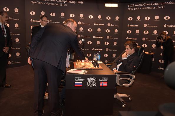 セルゲイ・カヤキン「2016 World Chess Championship - November 12」:写真・画像(19)[壁紙.com]