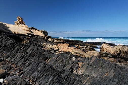 Basalt「Spain, Canary Islands, Fuerteventura, Istmo de la Pared, Playa de Barlovento, Basalt rocks at beach」:スマホ壁紙(7)