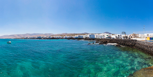 Atlantic Islands「Spain, Canary Islands, Lanzarote, Punta Mujeres, Fishing village Arrieta, Panorama」:スマホ壁紙(18)