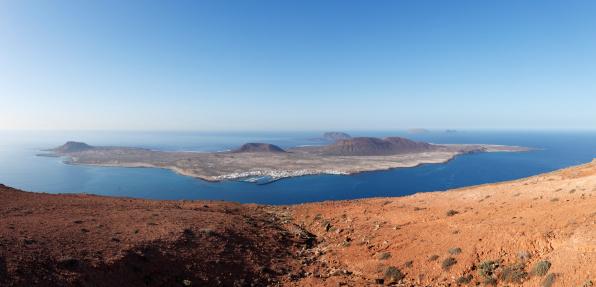 La Graciosa - Canary Islands「Spain, Canary Islands, Lanzarote, view of island la graciosa」:スマホ壁紙(6)